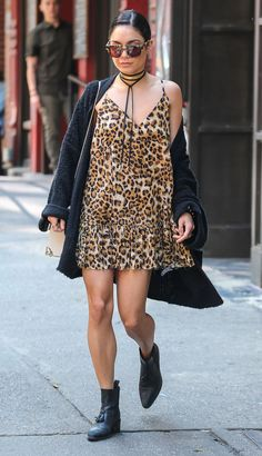 When she owned the streets in this kick-ass, grungy leopard look.