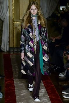 See the complete Roberto Cavalli Fall 2016 Menswear collection.