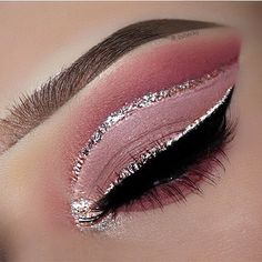 Trendy Nails Pink Gold Glitter Make Up Ideas What is Makeup ? What is Makeup ? Glitter Eye Makeup, Eye Makeup Art, Pink Makeup, Smokey Eye Makeup, Eyeshadow Makeup, Sparkle Makeup, Eyeshadows, Eyeshadow Palette, Rose Gold Makeup Looks
