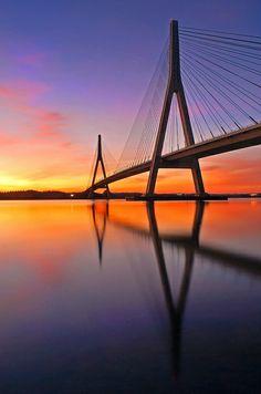 Ayamonte, Huelva. Puente sobre el Guadiana que une España y Portugal.