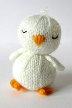 Knitting Patterns for Sleepy Chick - This baby bird toy is quick to make and would be a lovely Easter gift. All pieces are knitted flat (back and forth) on a pair of straight knitting needles. FINISHED SIZE: The finished chick is approximately cm tall. Knitted Dolls Free, Knitted Doll Patterns, Animal Knitting Patterns, Crochet Blanket Patterns, Quilt Patterns, Knitted Stuffed Animals, Knitted Animals, Knitting For Kids, Loom Knitting