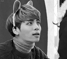 jonghyun gif2015 | 1k gifs my gifs bw jonghyun kim jonghyun base fansign herewegobebe ...