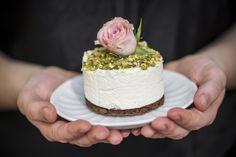 nekedcake tortácska rosa wedding love Budapest, Vanilla Cake, Food, Eten, Meals, Diet