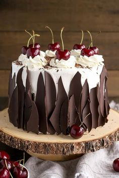 This Black Forest Cake combines rich chocolate cake layers with fresh cherries, . Kuchen , This Black Forest Cake combines rich chocolate cake layers with fresh cherries, . This Black Forest Cake combines rich chocolate cake layers with fr. Just Desserts, Delicious Desserts, Baking Desserts, Baking Cupcakes, Cake Cookies, Cupcake Cakes, Black Forest Cake, Black Forest Birthday Cake, Black Forest Cupcakes