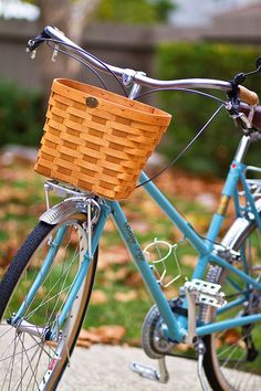 Put together your own wicker bike basket.