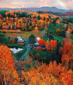 Vermont is one of the most amazing places to visit for the Fall! Imagine all th… Vermont is one of the most amazing places to visit for the Fall! 🍁 Imagine all the chilly, cozy days on this farm! 🧡 TAG a friend who would love to live here! Image Nature, All Nature, Fall Pictures, Fall Photos, Dm Foto, Autumn Scenes, Autumn Cozy, Fall Winter, Autumn Aesthetic
