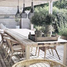 Pergola Front Of House Outdoor Living Space, Outdoor Decor, Balcony Decor, Terrace Furniture, Outdoor Dining, Outdoor Wood, Outdoor Deco, Outdoor Living, Cozy House