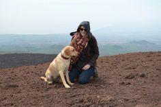 Etna Süd/Sizilien - Kraterwanderung mit Hund   TravelDog.at Labrador Retriever, Dogs, Animals, Cats, Pet Dogs, Sicily, Tips, Labrador Retrievers, Animales