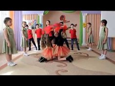 "Танец ""Возвращайтесь..."" - YouTube Activities, Play, Group, Youtube, Fun, Youtubers, Youtube Movies, Hilarious"