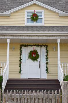 DIY Kranz für Advent und Weihnachten selber binden. Schöne Weihnachtsdeko für draussen und Kränze für Fenster und Haustüre. Deko, Dekoration, Weihnachtsdeko