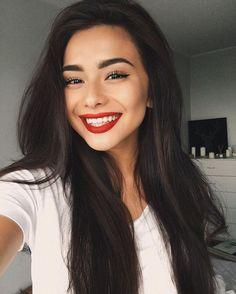 Diana Korkunova Red Lipstick Makeup Red Lips Makeup Look Red Lips Makeup Look, Red Lipstick Makeup, Bright Lipstick, Lipstick Shades, Pink Lips, Red Lipsticks, Wig Hairstyles, Straight Hairstyles, Medium Hairstyles