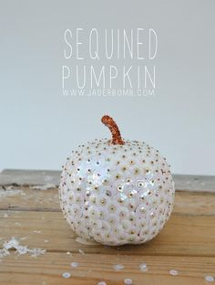 DIY Pumkin Crafts : DIY Make a Sequined Pumpkin