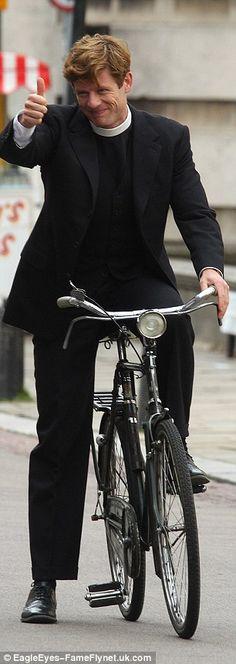 James Norton as Reverend Sidney Chambers in Grantchester Masterpiece Mystery, Masterpiece Theater, James Norton, British Actors, American Actors, Detective, Sidney Chambers, Douglas Booth, Actor James
