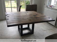 Wagondelen als tafelblad! Rond, vierkant, langwerpig? Het is allemaal mogelijk! #wagondelen #reclaimed #wood #staal #frame #tafel #tafelblad #interieur #interieurinspiratie #wonen #living #industrieel #industrial #robuustwonen #horeca #kantoor # tafel
