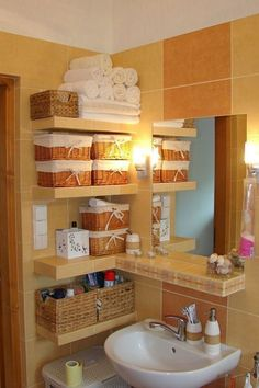 29 Space-Efficient Bathroom Storage Ideas that Look Beautiful Make your washroom the cleanest — and tidiest — space in the house with these awesome and clever storage Brilliant Ideas for Small Bathroom Hacks and Organization 41221 Me gus Small Bathroom Organization, Bathroom Hacks, Home Organization, Bathroom Ideas, Bathroom Shelves, Bathroom Colors, Bathroom Vanities, Organizing Ideas, Bathroom Inspiration