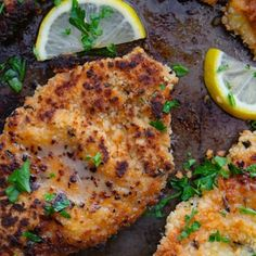 Ina Garten& Chicken Piccata Recipe makes a fantastic weeknight dinner. Pair with roasted broccoli and mashed potatoes and call it a night! Meat Recipes, Wine Recipes, Food Network Recipes, Chicken Recipes, Cooking Recipes, Healthy Recipes, Yummy Recipes, Recipies, Ina Garten Chicken Piccata