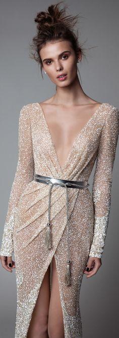 Perle d or evening dresses disco – Dress best style form Elegant Dresses, Pretty Dresses, Evening Dresses, Prom Dresses, Sparkly Dresses, Formal Dresses, Wedding Dresses, Mode Glamour, Beautiful Gowns