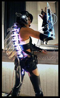 UV Perspex and El Wire or Neon Tubing?