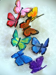 How to make your own butterfly decorations out of gum paste.