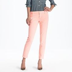 Love the new cropped skinny jeans/pants! Sooo cute.