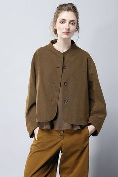 OSKA New York - Jacke Hisui - Love this jacket and wish there would be a sewing pattern! Casual Outfits, Fashion Outfits, Womens Fashion, Look Street Style, Linen Jackets, Linen Dresses, Mode Inspiration, Trench Coats, Dress Patterns