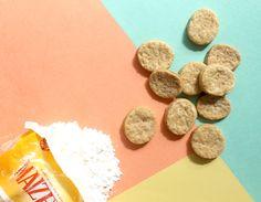 Esos mates no se van a tomar solos, ¿por qué no acompañarlos con unos Bizcochitos de grasa? #UnaParteDeVos  INGREDIENTES - 190 gramos de harina leudante - 60 gramos de MAIZENA - 1/2 cucharadita de miel - 2 cucharaditas de sal - 100 gramos de grasa vacuna/ agua tibia.  PREPARACIÓN 1. Tamizar la harina y la MAIZENA, agregar la sal y la grasa cortada en cubos.  2.Con la punta de los dedos integrar todo hasta formar un arenado, agregar la miel y de a poco incorporar el agua, será suficiente…