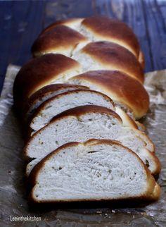 Yeast Bread, Baking, Food, Cakes, Vegan Desserts, Vegan Food, Vegan Baking, Challah, Fast Recipes