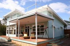 kath and ken's beach house, sorrento Retro Beach House, Moore House, Beach Cottages, Beach Houses, Beach Cottage Style, Beach Bungalows, Beach Shack, Exterior House Colors, Home Reno