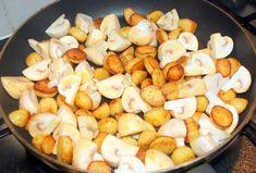 Broccoli-ovenschotel met kip, champignons en krieltjes - Keuken♥Liefde Goulash, Avocado Recipes, Pretzel Bites, Slow Cooker, Food To Make, Food And Drink, Potatoes, Lunch, Bread