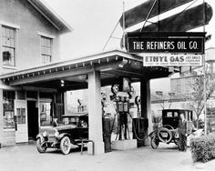 The Refiners Oil Company gas station in Detroit, Michigan, c. 1920's (Photo by The Detroit News)