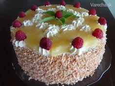 Toto je oblubena torta mojho syna.  Aj tento rok dodrzal tradiciu a zase si ju objednal.