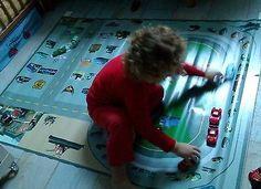 bache-imprimee-tapis-circuit-voiture-cars-disney