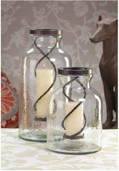 """Si usted tiene un espacio  elegante o uno exóticamente ecléctico, los Jar Candle Holder  son el accesorio funcional perfecto para ello. Iluminar una mesa de café o en el patio al aire libre con la suave y cálida resplandor de las velas. Dimensiones:   9.5"""" x 9.5"""" x 20.75"""""""