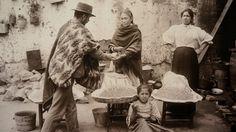 Dentro de la colección se destacan las imágenes costumbristas, principalmente los retratos de los habitante de Valparaíso y del mundo popular. Las escenas se desenvuelven en espacios cercanos pero desconocidos a su vez, mostrando lo cotidiano del trabajo y recreación, transformándose en lugares altamente atractivos dentro del puerto para los ojos del fotógrafo.
