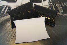 Kissenverpackung mit 3d UVLackierung oder mit Metapaper rough ab einer Auflage 1 (1 Expl.) bei den Liebligsdruckern in Berlin