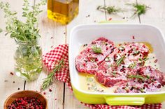 Marinating Do's and Don'ts. Marinating tenderizes meat and infuses flavor. These helpful hints will make your marinade effective and flavorful! Beef Marinade, Marinate Meat, Roast Chicken Recipes, Chicken Marinades, Pork Recipes, What Recipe, Your Recipe, Carne Asada, Sauce Hoisin