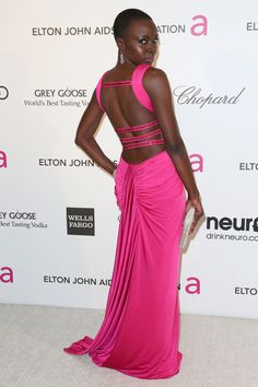 Breakout star of the current season of The Walking Dead, Danai Gurira selected a Swarovski Goa bag to look beautiful on the red carpet