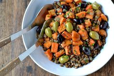 This Warm Lentil Salad with Sweet Potato & Olives is all the good things! Salty marinated olives and sweet potatoes are a perfect pairing.