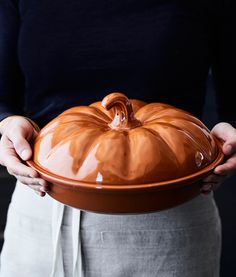 Pumpkin Covered Pie Dish | Celebrate pumpkin season with this ceramic dish. It's a charming way to bake, transport and store your freshly baked dessert.