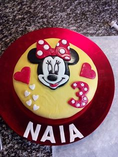 Minnie mouse birthday fondant cake