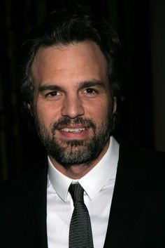 Mark Ruffalo. Sometimes I think he's just too classy and too sweet to objectify. Let's just enjoy this face, shall we?? ❤️☺️