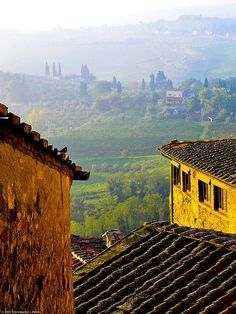 San Gimignano, Tuscany, Italy - Beautiful little walled town with the most amazing pottery.