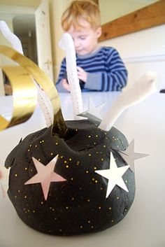 Firework Play Dough - could make a fun Bonfire night kids activity Bonfire Night Activities, Bonfire Night Crafts, Autumn Activities, Bonfire Ideas, Sand Play Dough, Diwali Fireworks, Play Doh Fun, Funky Fingers, Remembrance Sunday
