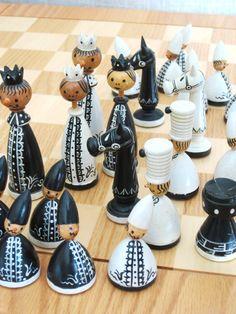 Vintage Erzgebirge Chess Set / Wooden Chess Set / by wilshepherd
