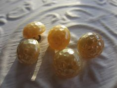 Vintage Buttons - beautiful faux pearl matching lot of 5, heavy weight, metal shanks, (lot MAR 201) by pillowtalkswf on Etsy