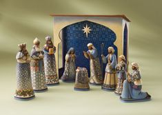 Google Image Result for http://burninghorse.files.wordpress.com/2011/12/christmas-nativity-set.jpg