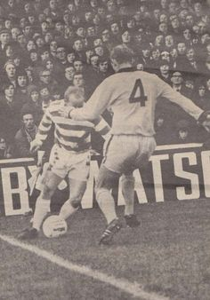 Motherwell 0 Celtic 5 in Nov 1972 at Fir Park. Celtic winger Jimmy Johnstone takes the ball almost to the by-line Celtic Fc, Glasgow, Baseball Cards, Park, Parks