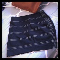 Express skirt Still very nice skirt.  Not worn very often. Express Skirts Midi