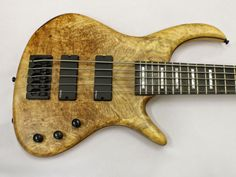 Blog Aleše Vychodila: AVB1 made for Petr Hloušek. Spalted Maple top with...