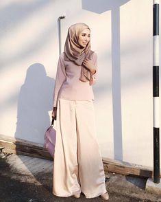 "425 Likes, 2 Comments - Nebe Magazine (@nebemagazine) on Instagram: ""@nononesss #hijabstylebook"""